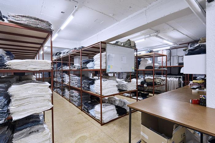 服装厂房办公室仓库装修设计效果图