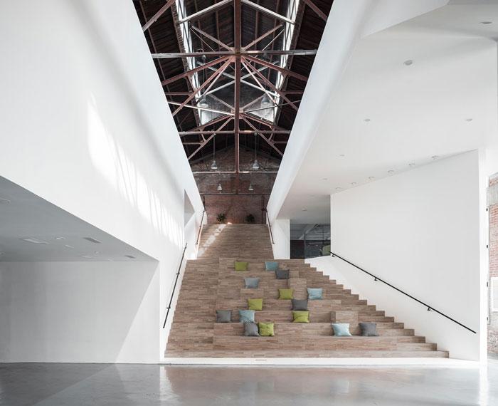 厂房改造办公室楼梯装修设计效果图
