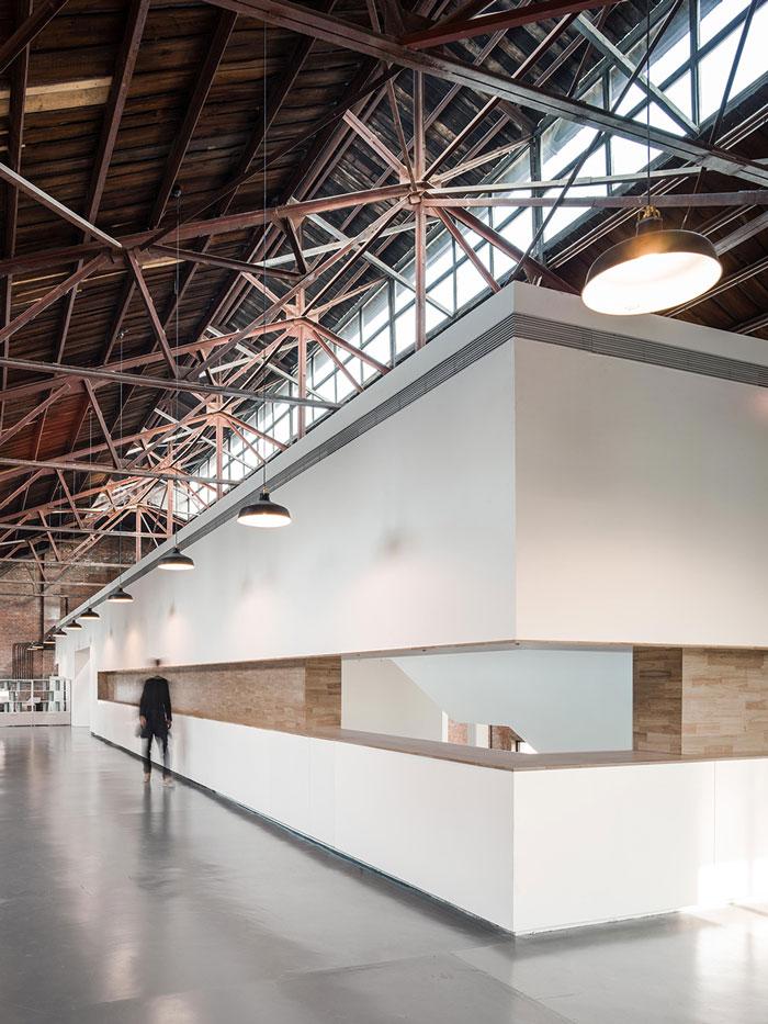 厂房改造办公室二楼过道装修设计效果图