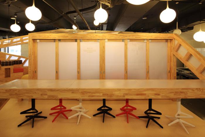 家具厂办公室吧台装修设计方案效果图